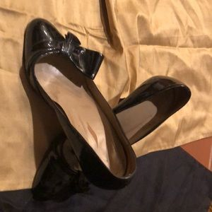 VALENTINO ICONIC BOW - Patent Leather heels